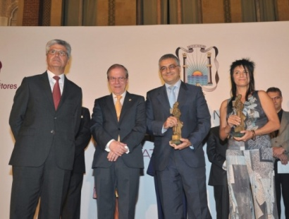 Félix G. Modroño y Mado Martínez, ganadores del XLVI Premio de Novela Ateneo de Sevilla y XIX Premio de Novela Ateneo Joven de Sevilla