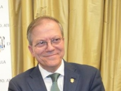 El Presidente del Ateneo, Alberto Máximo Pérez Calero, nombrado Médico Ilustre por el Real e Ilustre Colegio de Médicos de Sevilla